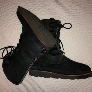 Ugg Black Sheepskin lace up Eva boot